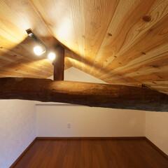 屋根裏/隠れ家/プライベートルーム/おしゃれなリフォーム/改装 屋根裏スペースを利用して作った隠れ家的空…