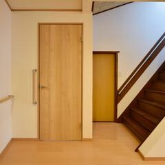 バリアフリー/手すり/廊下/階段/リフォーム/介護改修 ご高齢の方も安心、快適。可愛らしく温かみ…(1枚目)