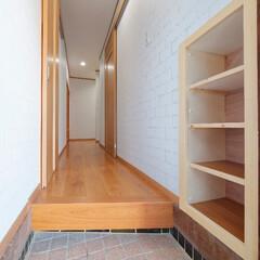 勝手口/廊下/床/壁/内装/フローリング/... 勝手口~廊下も、床や壁を新しくしてキレイ…