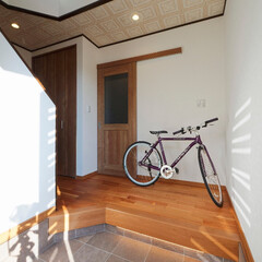 玄関/框/フロア/足元灯/照明/間接照明/... 玄関框に、足元をやさしく照らしてくれる間…
