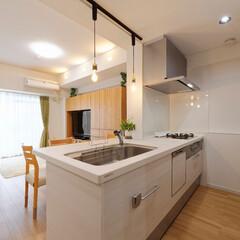 キッチン/ダイニング/リビング/LDK/おしゃれなキッチン/かわいいキッチン/... キッチンを囲っていた壁を取り払い、オープ…