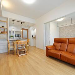 LDK/リビング/ダイニング/和室/洋室/子育てしやすい家/... LDK横の和室は洋室に変更。引き戸の開閉…