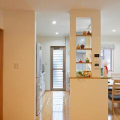キッチン/飾り棚/造作棚/対面キッチン/調味料置き/雑貨/... 造作したキッチン横の飾り棚は調味料や雑貨…