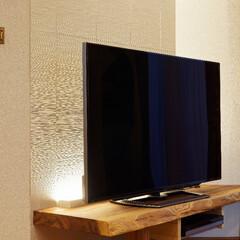 テレビコーナー/テレビ台/リビング/1枚板/カウンター/無垢材/... テレビ台は1枚板を使って大工が手作り。後…
