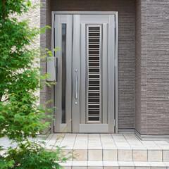 玄関ドア/サッシ/リクシル/ジエスタ/外観/家/... 玄関ドアはLIXIL「ジエスタ」。サッシ…