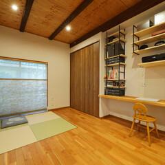 和室/畳/琉球畳/和モダン/仏壇/高砂市/... 和室をなくした代わりに、畳スペースを作っ…