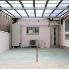 エクステリア/外構/リフォーム/カーポート/駐車場/ピンクの家/... ご高齢の方も安心、快適。可愛らしく温かみ…