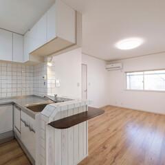 L型キッチン/対面キッチン/キッチンリフォーム/LDK/キッチンタイル/タイルの壁/... L型の対面キッチン。キッチンまわりのタイ…
