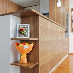 対面キッチン/キッチン/棚/造作棚/雑貨 キッチンの角は雑貨を飾るスペースに(加古…