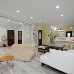 洋室/広いリビング/明るいリビング/LDK/リフォーム/間取り変更/... となりの洋室を取り込んで、広くて明るいL…