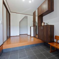 土間/床/框/フローリング/内装/玄関収納/... 土間の玄関に床を作り、収納を新設。使いや…