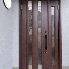 玄関リフォーム/玄関ドア/玄関ドア交換/玄関ドア取り替え すっきりとした黒色の玄関ドアに取り替え(…