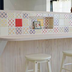 レトロ/タイル/かわいいキッチン/キッチンリフォーム/キッチンカウンター/加古川市/... レトロ柄のタイルを貼ったかわいいキッチン…