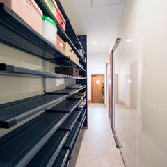 靴箱/シューズクローク/収納/新築/一戸建て 壁一面を使った大容量の靴箱。 家族全員の…