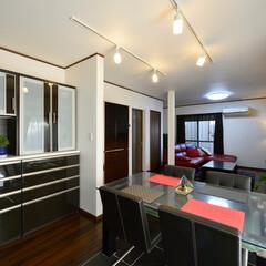 LDK/ダイニング/テーブル/インテリア/食器棚/カップボード/... 三世代が集う、シックな大人テイストの空間…