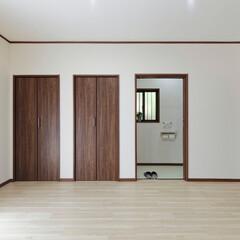 和室/洋室/リフォーム/古民家/押入れ/トイレ/... 和室を洋室に変更。押入れのひとつはトイレ…