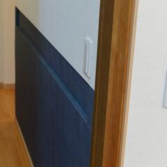 ニッチ/廊下/照明/スイッチ/腰壁/クロス/... 廊下の壁のへこみは手すり代わりに。 照明…