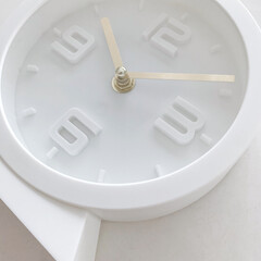 シンプルな暮らし/シンプルインテリア/置き時計/時計/ダイワハウス/プチプラ/... キャンドゥでの購入品です! こちらの時計…