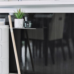 デュエンデ DUENDE ブラック | デュエンデ(サイドテーブル)を使ったクチコミ「キッチンカウンターの下にサイドテーブルを…」