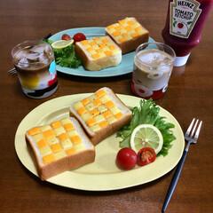 チェックトースト/トーストアレンジ/トースト/おうちごはん/フード/グルメ おはようございます☺︎ 久しぶりにチェッ…