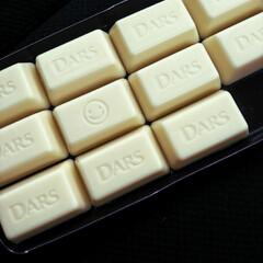 ニコちゃん/ホワイトチョコ/ダース/チョコレート/グルメ/フード/... 大好きなチョコレート♡♡ 白いダースにニ…(1枚目)