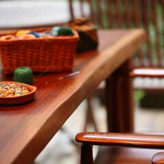 ダイニングテーブル/一枚板/テーブル/ウォールナット 年月とともに艶やかな風合いに変化していく。
