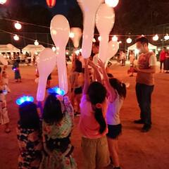 夜/夏/風船飛ばし/お祭り/盆踊り 盆踊り大会のクライマックスに風船飛ばし