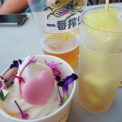スイーツ/メロン串/ソフトクリーム/デザート/ビール/お祭り/... 暑い日のお祭りにはビールもアイスも欲しく…(1枚目)