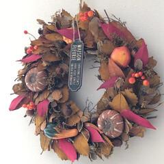 秋/秋のインテリア/リース/模様替え/秋が好き/インテリア雑貨 すっかり秋の空気に変わった北海道。 日中…