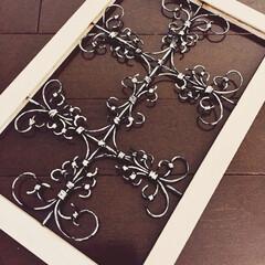 リフォーム/DIY/雑貨/100均/セリア/ダイソー/... 趣味で、ワイヤーを使用して 壁飾りを手作…