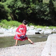 川遊び/夏/夏休み/キャンプ 川遊び。遊び疲れて休憩。