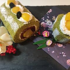 スイーツ/ロールケーキ/和洋菓子/お正月 お正月なので、和のテイスト 抹茶ロールケ…(1枚目)