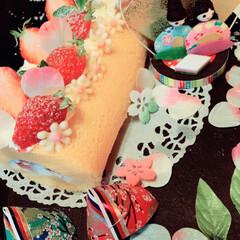 イチゴ/ロールケーキ/ひな祭り/ハンドメイド/スイーツ/わたしの手作り 今日は、桃の節句で、ひな祭りケーキを作っ…