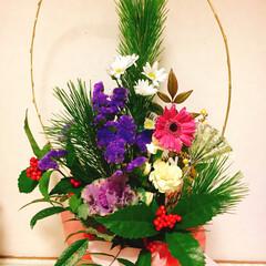 生花/お正月/ハンドメイド お正月用の飾り花をお友達から 習って作っ…(1枚目)