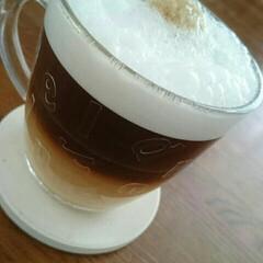コーヒー コーヒー飲んで、今日も一日頑張ろう。