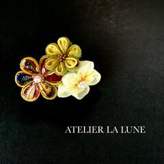 成人式/卒業式/minneで販売します/minne/ATELIER LA LUNE/Facebookやってます/... つまみ細工の髪飾り。こちらは2wayクリ…