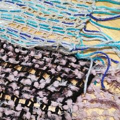 ネットに毛糸を通すだけでできるマフラー/手芸/ダイソー/ハンドメイド/ファッション マフラーの土台になるネットは、手芸屋さん…