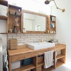 洗面/アームランプ/真鍮/高窓/洗面所/天窓