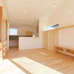 新築/不動産・住宅/家/住まい/二世帯住宅/設計事務所/... 二世帯住宅の2階リビングです。 階段室を…