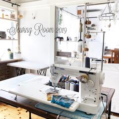 ミシン台/ミシン/和室リノベーション/和室リメイク/和室改造/和室から洋室へリフォーム/... 2019年ミシン部屋。 sewingr…