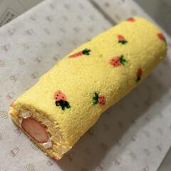 苺のプリントローケーキ/母の日ケーキ/母の日 母の日に苺のプリントロールケーキ焼いてみ…