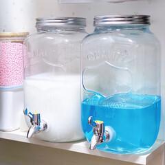 ドリンクサーバー/洗濯機周り/液体洗剤 外国の人の整理動画でよくやってる液体洗剤…(1枚目)