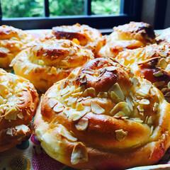 フード/手作りパン #キャラメリゼアーモンドパン#手作りパン…