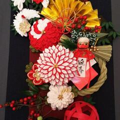 正月飾り/100均/ダイソー/インテリア/玄関/ハンドメイド/... 正月飾りのつまみ細工、鶴とお花を作ったの…