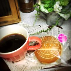 ひと息コーヒータイム/3種のベリ×フロマージュ/生どら焼き/フード 生どら焼きの専門で、買って来ました😋  …