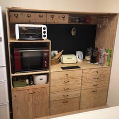 ブラックボード/収納/構造用合板/食器棚/インテリア/DIY/... 我が家の食器棚。 構造用合板で製作しまし…