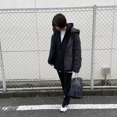 スニーカーコーデ/mama/ママコーデ/ファッション スニーカー👟合わせのモノトーンスタイリン…(1枚目)