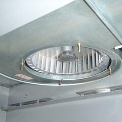 台所換気扇 施工前と比べかなり改善されております。(1枚目)