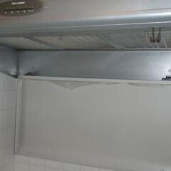 台所換気扇 分解作業前の全体写真です。