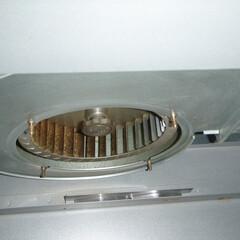 台所換気扇 特にシロッコファンの部分が目立って油で茶…
